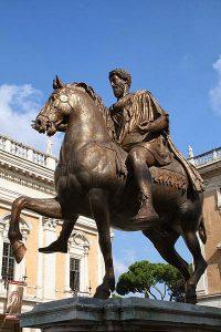 400px-0_Marcus_Aurelius_-_Piazza_del_Campidoglio_(3)